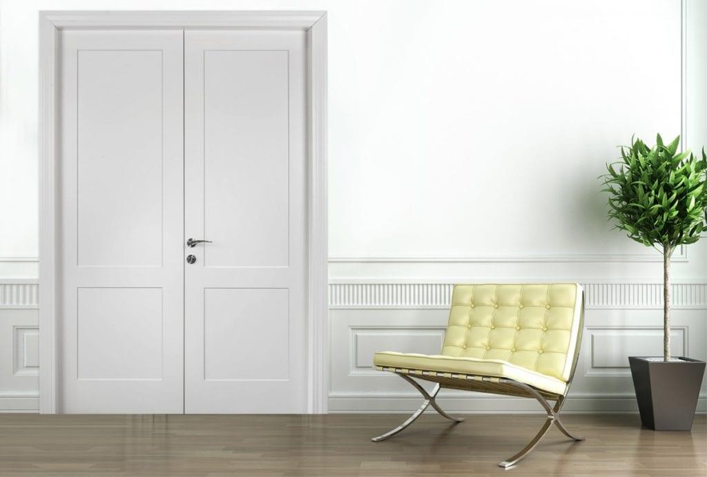 דלתות פאנלים  החריטות המעודנות מעניקות לדלת טביעת אצבע אישית שלא ניתן להתעלם ממנה.